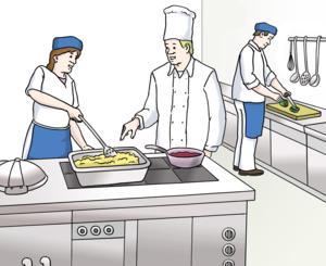 Ein Koch und 2 Hilfs-Köche stehen in einer großen Küche und bereiten das Essen zu.